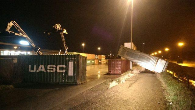 windstoten blazen containers omver