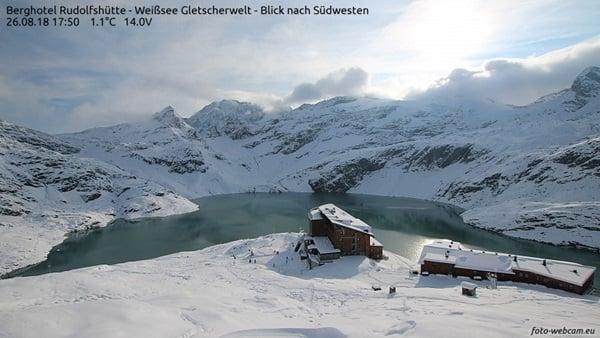Verse sneeuw bij de Rdolfshütte (2315 meter)