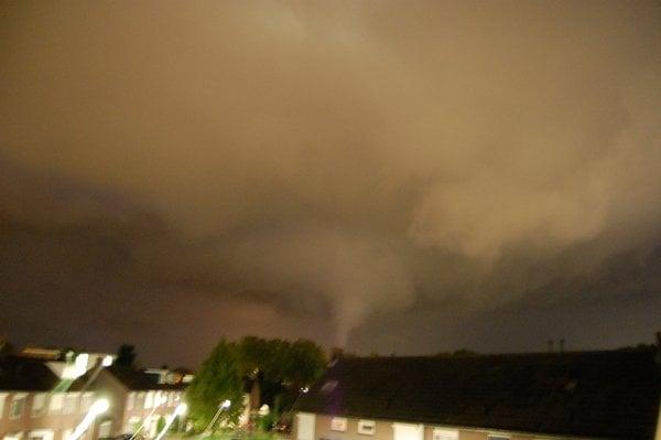 tornado treft nederland richiedrunen