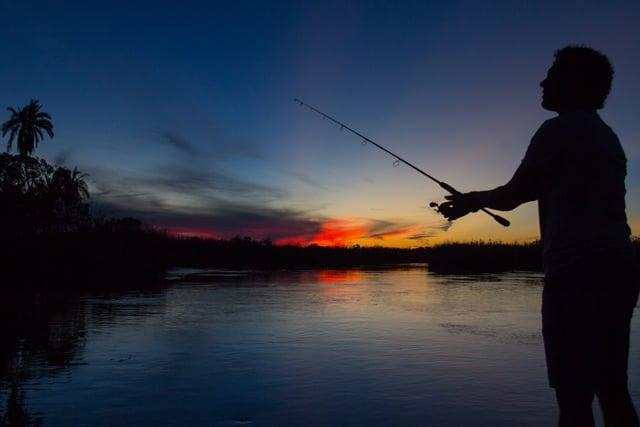 Zonsondergang aan de Okavango