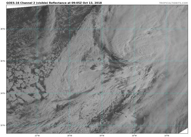 satellietbeeld orkaan leslie