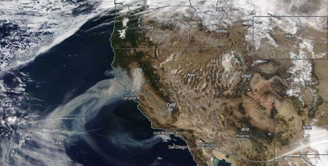 satellietbeeld hevige bosbranden